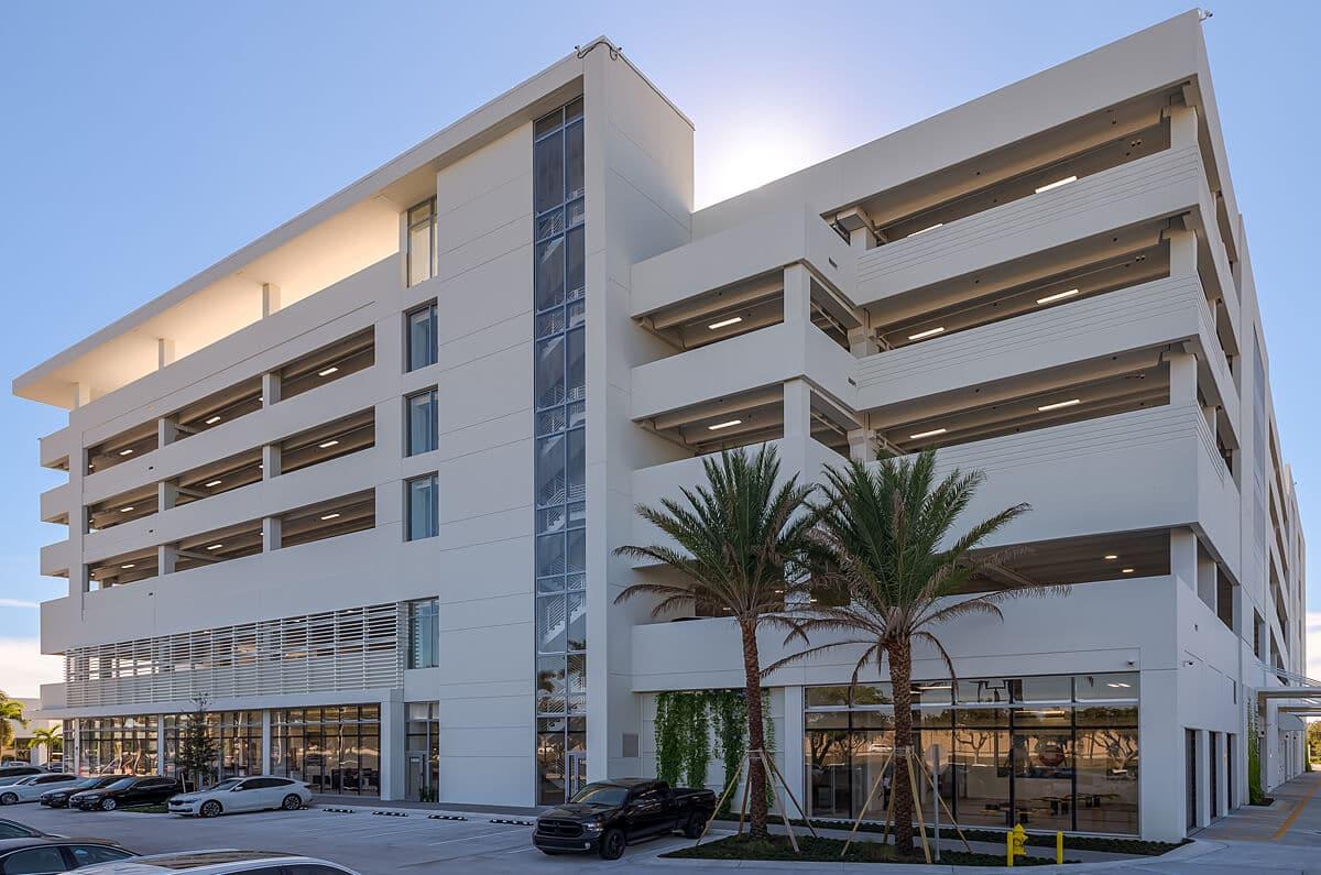 BMW Pines Collision Center & Garage Complex 5